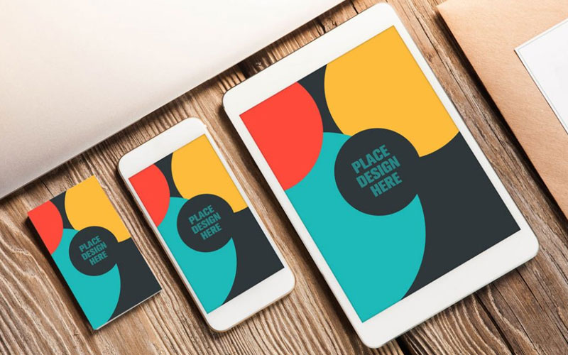 Free-Business-Card-and-Apple-Devices-Mockup