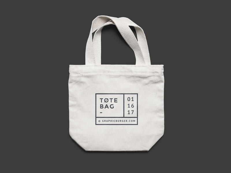 Free-Canvas-Tote-Bag-MockUp