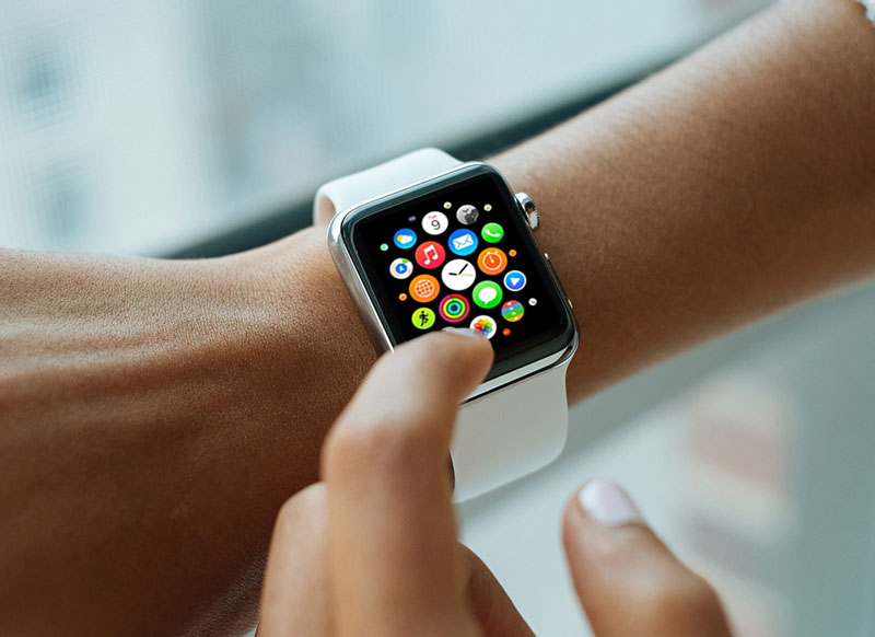 Free-Collection-of-Apple-Watch-Mockups