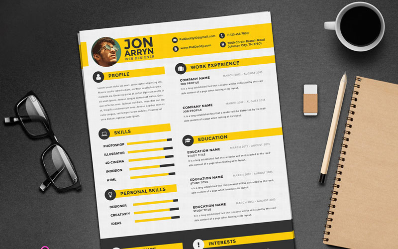 Free-Creative-Resume-(CV)-Design-Template-With-3-Colors-PSD