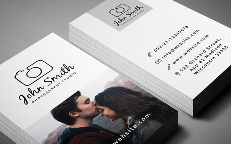 Free-Photographer-Business-Card-PSD-Template