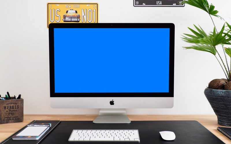 Free-iMac-in-Home-Office-Mockup