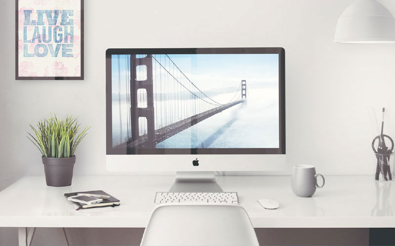 Free-iMac-in-Office-Setting-Mockup