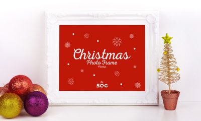 Free-Christmas-Photo-Frame-Mockup-600