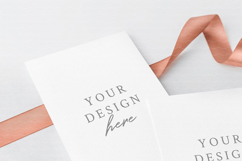 Close-Up-Greeting-Cards-Mockup