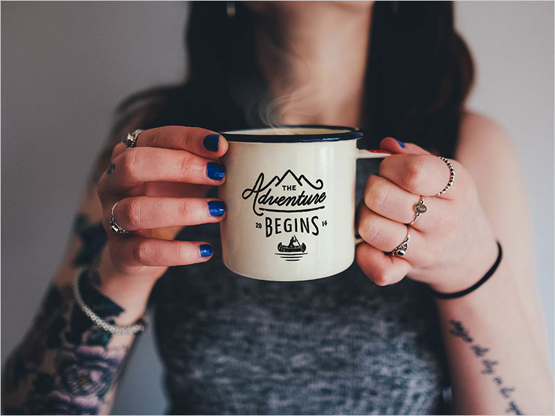 Free-Enamel-Coffee-Mug-Photo-Mockup-PSD