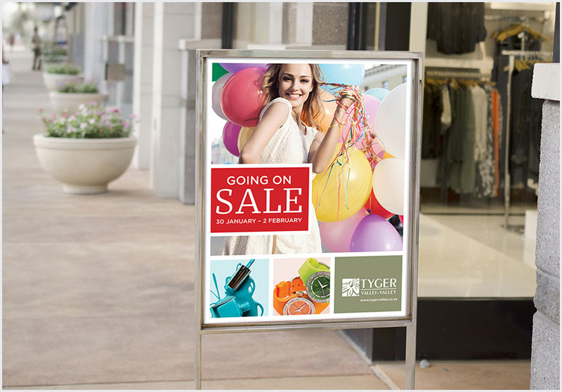 Free-Sale-Sign-Outside-Retail-Store-Mockup