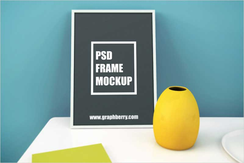 Picture-Frame-on-Table-PSD-Mockup