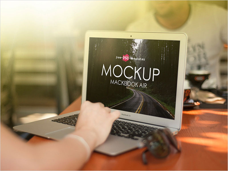 Free-MacBook-Air-Mock-up-in-PSD