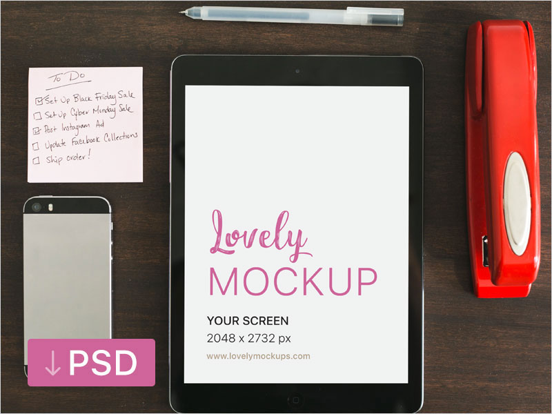 iPad-Mockup-And-A-To-Do-List-On-The-Table