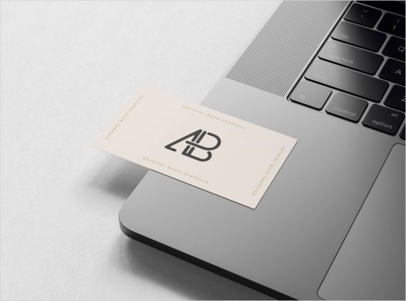 Free-Business-Card-on-MacBook-Pro-Mockup